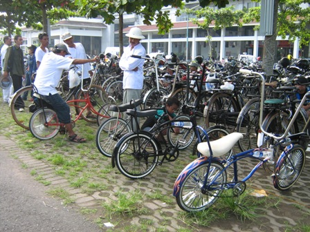 copy-of-syariahfunbike_100208.jpg